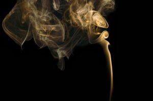 Enlever l'odeur de cigarette dans une voiture